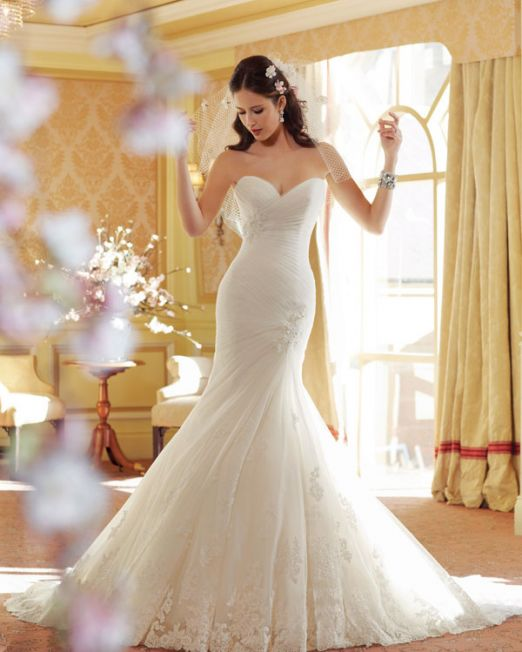 Mermaid wedding dress with pleated bodice and Guipure lace