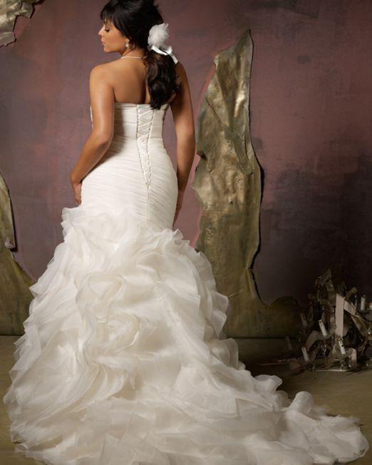 Judy trumpet plus size wedding dress