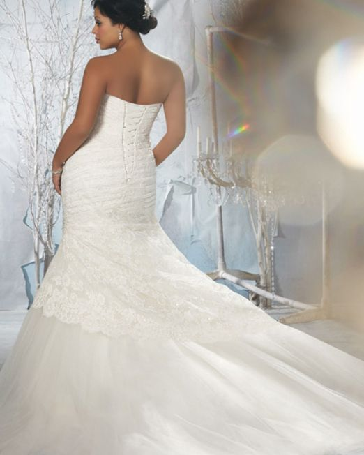Sharon Sharon trumpet plus size wedding gown with lace